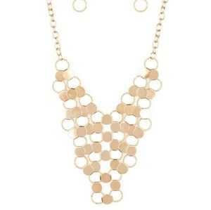 Gold net necklace with earrings